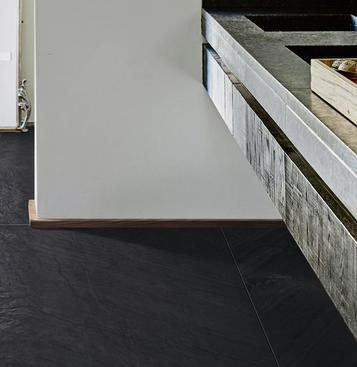 Black tiles view the collections marazzi for Carrelage 120x120