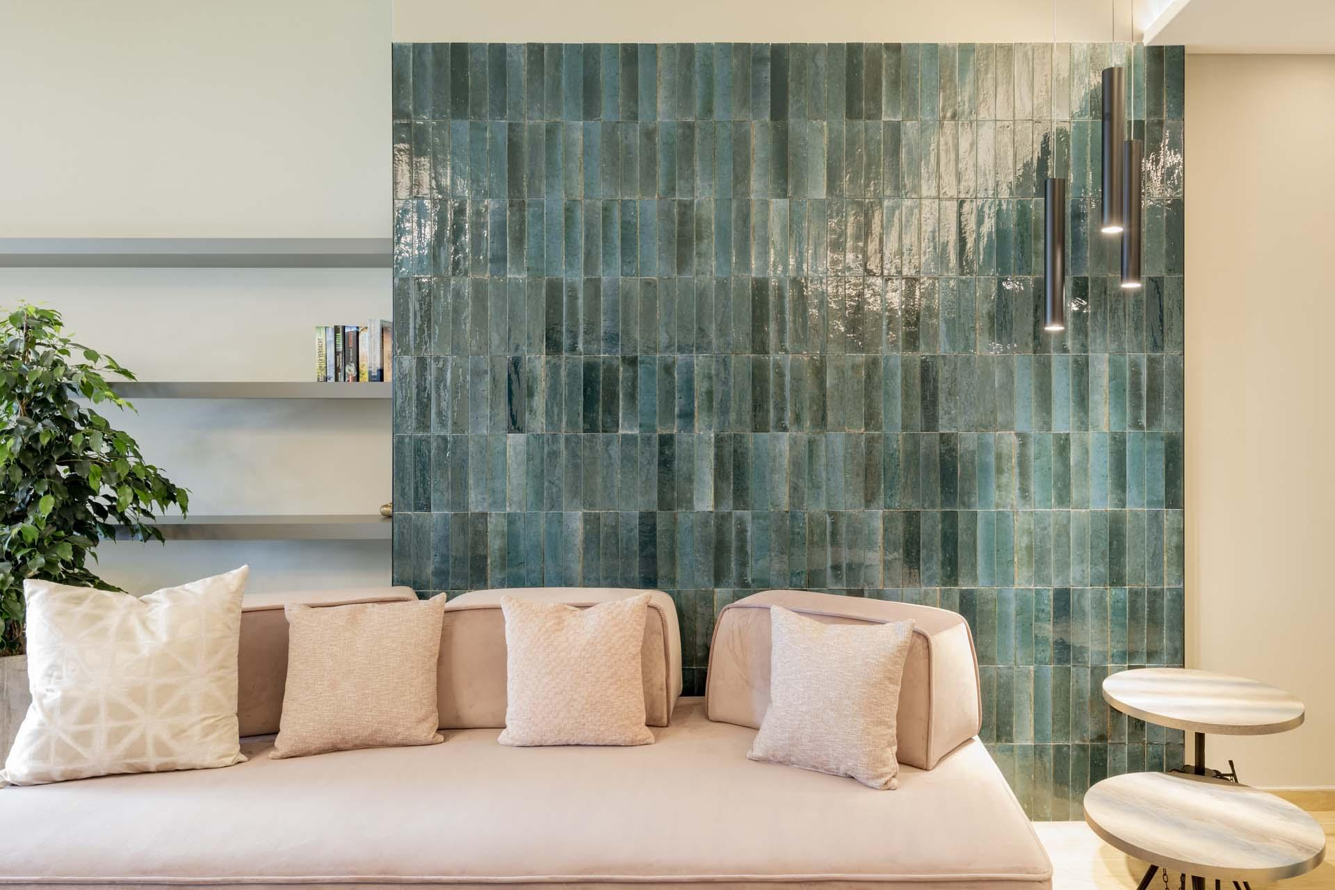 Hotel Du Lac: stoneware interiors in elegant, personalised suites