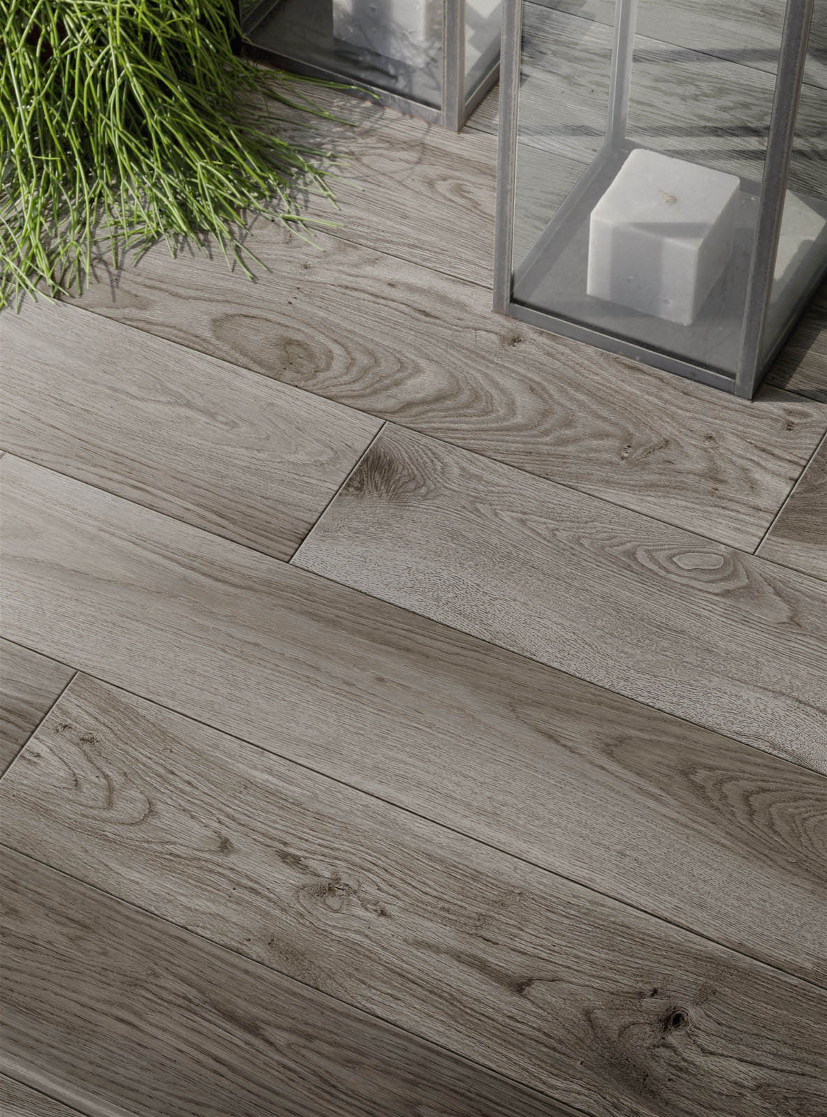 Wood effect and hardwood porcelain stoneware marazzi for Marazzi tile